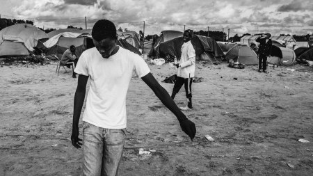 migrants-playing-football-at-the-camp